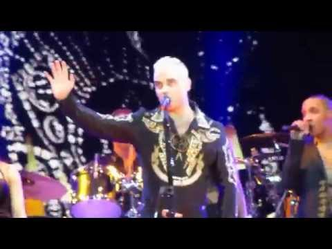 Robbie Williams - Angels [Live in Madrid 2015 HD Let Me Entertain You Tour]