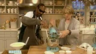 Snoop makes Mashed Potatoes | Snoop Dogg | Martha Stewart