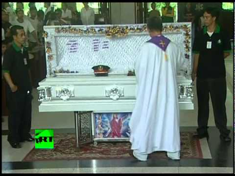 Video of Philippine gunman Rolando Mendoza's burial after hostage tragedy