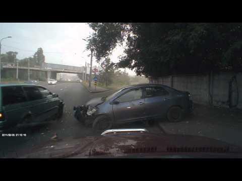 ДТП 26.08.14 Алматы, Суюнбая-Рыскулова