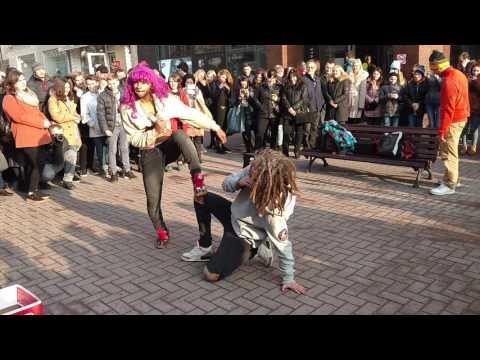 Арбат, уличные танцоры