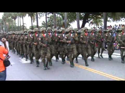 Algunos minutos desfile militar Feb.27.2011, Limando.com