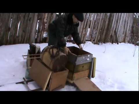nozhki-v-chulkah-skritaya-kamera