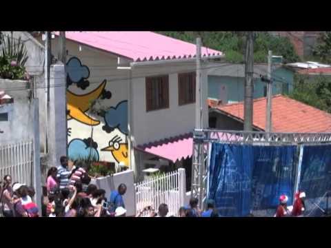 Luciano Huck volta a S�o Roque para entregar casa do quadro 'Lar Doce Lar'