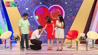 Chàng trai 27 tuổi còn zin quỳ xuống hôn cô gái ngay khi được đồng ý hẹn hò 💏