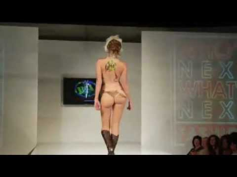 Catwalk fashionshow sexy bodypaint 2008.flv video
