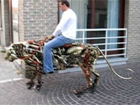 Mechanical Tiger in Brugge - YouTube