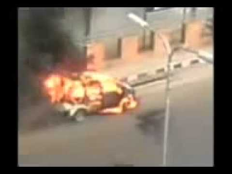 accident of a NOAH in mohakhali flyover in dhaka, bangladesh   watch the engine blast and finally the cylinder explode     FEATURED VIDEO IN LIVELEAK COM       YouTube