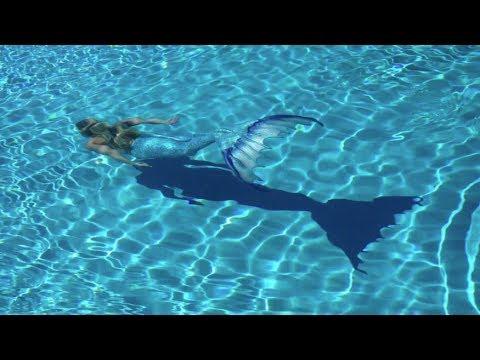 Mermaid Melissa swimming - beautiful light blue mermaid tail