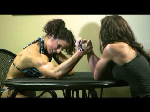 FitnessVs.Bodybulding armwrestling