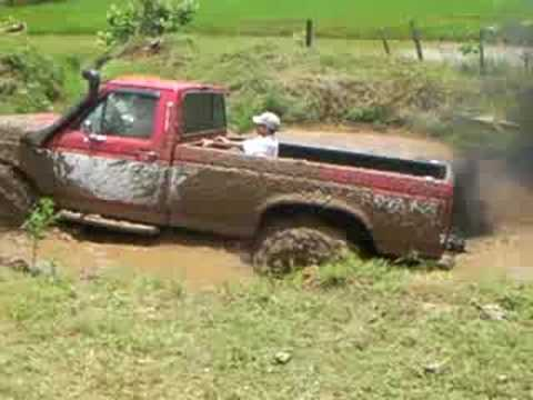Ford f-350 Mud Pit Video