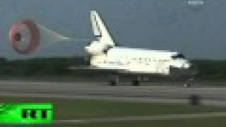 Space Shuttle Landing_ Discovery reaches Earth after delay