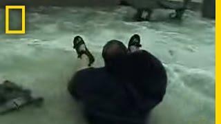 Thumb Camarógrafo arriesga su vida filmando una tormenta marina