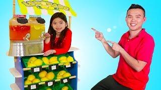 Emma Pretend Play Selling Lemonade Stand