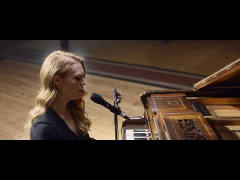 Freya Ridings - Lost Without You (Live At Hackney Round Chapel)
