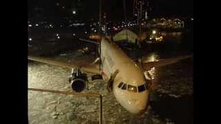La sortie des eaux de l'airbus A320 de l'US Airways, vol 1549
