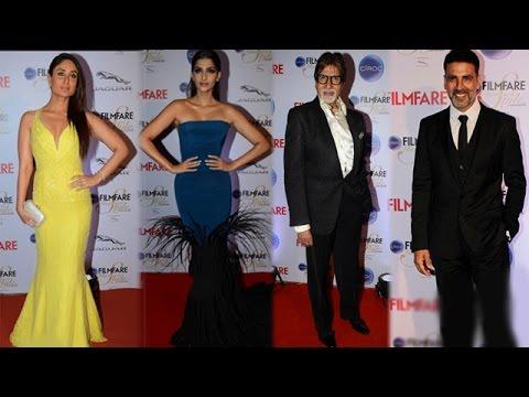 Amitabh Bachchan, Kareena Kapoor Khan and other Bollywood stars at an award function