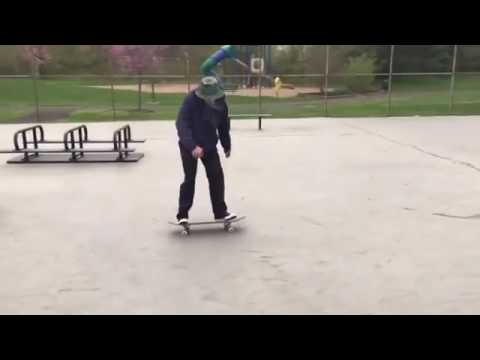 Nosegrind 360 inwardheel hook flip @briguy_bin 📹: @mommyparts | Shralpin Skateboarding