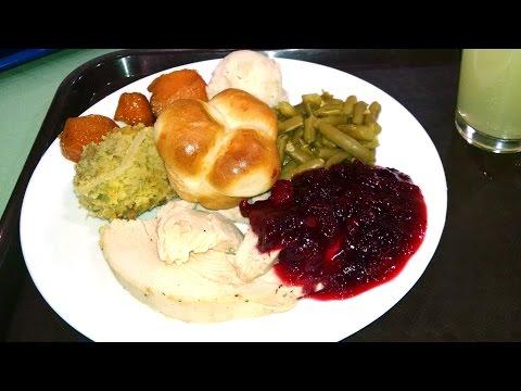 Как выглядит типичный ужин Дня Благодарения. Thanksgiving Day meal. LifeinUSA