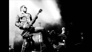 Watch Lenny Kravitz Back In Vietnam video