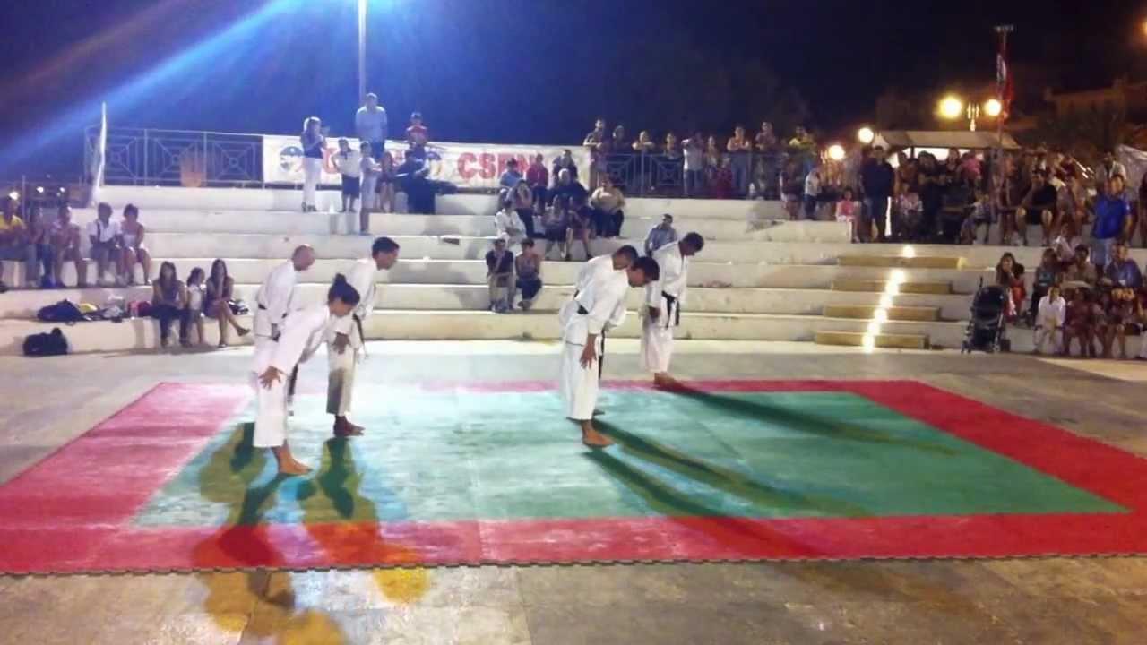 Esibizione karate pozzallo youtube for Gruppo inventa pozzallo