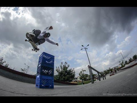 Edward Artuz junto a Jose Alveo - Skateboarding Panama