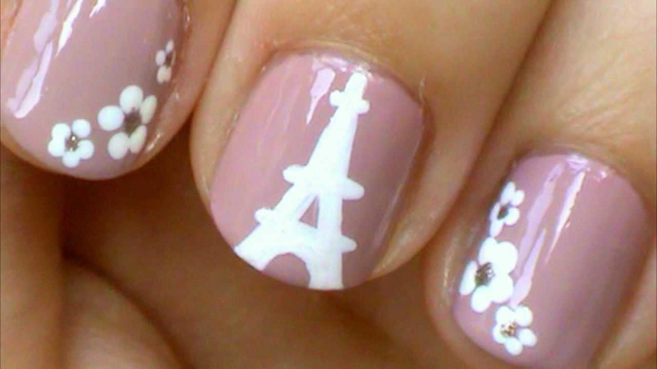 Eiffel Tower Nail Design
