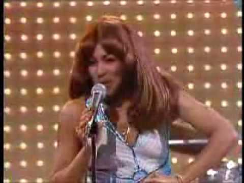Ike Tina Turner - Proud Mary Live