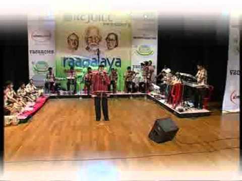 Sunil Nair performing at First Raagalaya Music Awards (3) Photo Image Pic