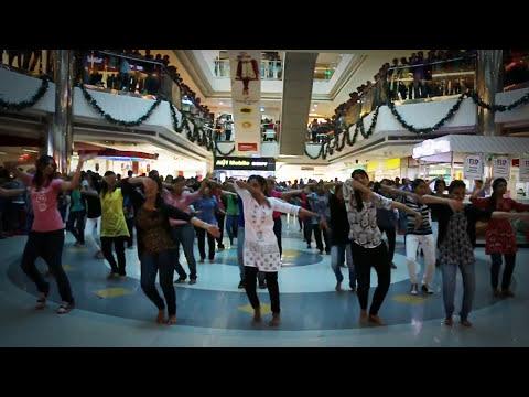 CHRIST KNOWLEDGE CITY DHRUVA 2K15 FLASH MOB @ OBERON MALL  01-02-2015