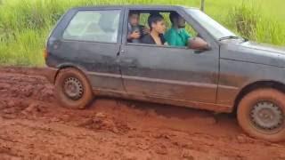 Atoleiro Jaraguari-MS - Fiat Uno 4 x 4 x Ford Ranger