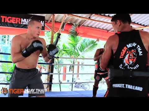 UFC Welterweight Champion Georges St-Pierre (GSP) Trains @ Tiger Muay ...