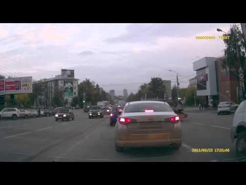 Нерешительные татарские автомобилисты на Удмуртской (Ижевск)