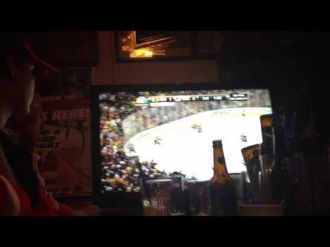 Chicago Blackhawks win Stanley Cup 2013 Bar Reaction - Tying and winning goals!