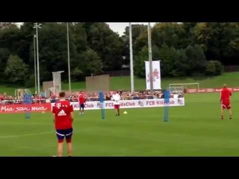 02.09.2014 - FC Bayern Training LIVE