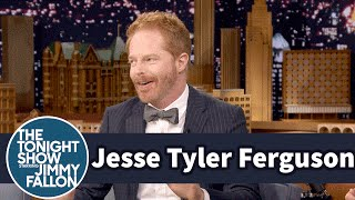 download lagu Jesse Tyler Ferguson Plays 40 Characters In Broadway's Fully gratis