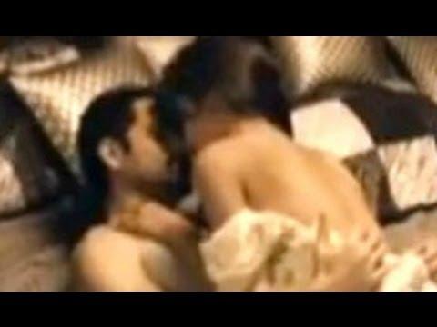 Emraan Hashmi And Deepika Padukone Intimate Scene