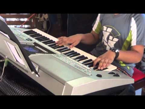 Broken Angle - Arash Helena - Yamaha Psr S910 video