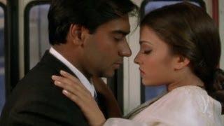 Aishwairya shows ways to save a ticket - Hum Dil De Chuke Sanam