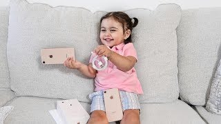 1 YEAR OLD BABY UNBOXING THE NEW IPHONE 8!!!