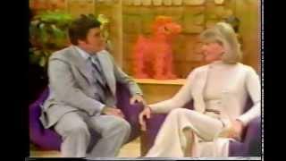 DORIS DAY - MIKE DOUGLAS TV INTERVIEW '75
