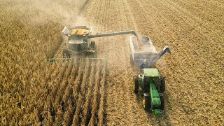 John Deere S690 Harvesting Corn | Werner Farms