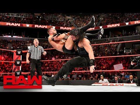Roman Reigns vs. Finn Bálor - Universal Championship Match: Raw, Aug. 20, 2018 thumbnail