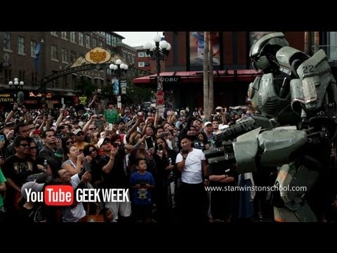 Giant Robot - YouTube Geek Week - Stan Winston School - 2000 Man Hours in 2 Minutes