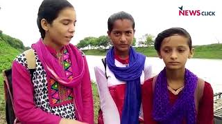 No Bridge, Students Forced to Cross Shipra River in a Boat to Reach the School