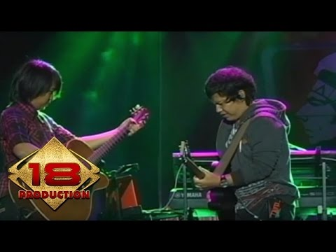 Wali - Nenekku Pahlawanku   (Live Konser Bandar Lampung 23 Februari 2014)