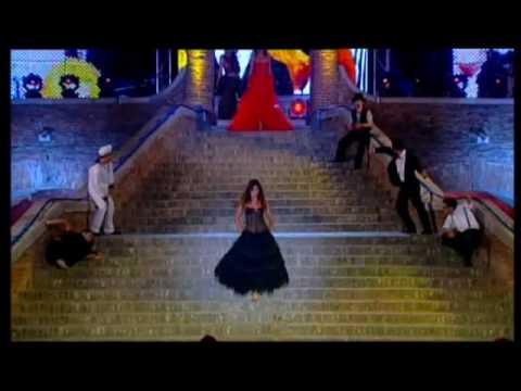 AGG, sfilata d'amore e moda 2009, testimonial Ilaria Spada.