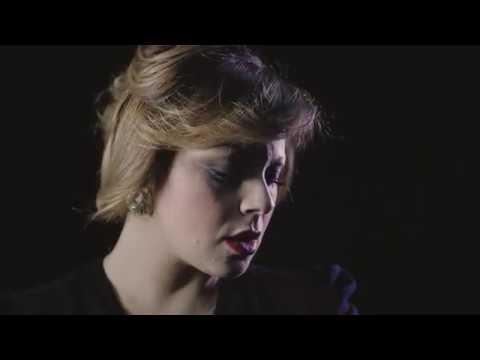 GIUSY ATTANASIO - IO NUN TE LASSE MAJE - Official Video