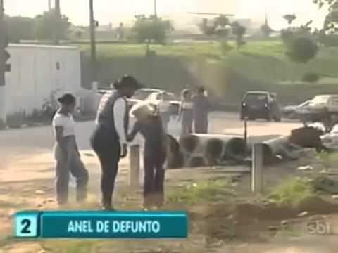 Pegadinha do Silvio Santos - O Anel Enterrado