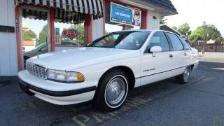 1991 Chevrolet Caprice Classic Start Up, Exhaust, In Depth Tour, and Short Test Drive
